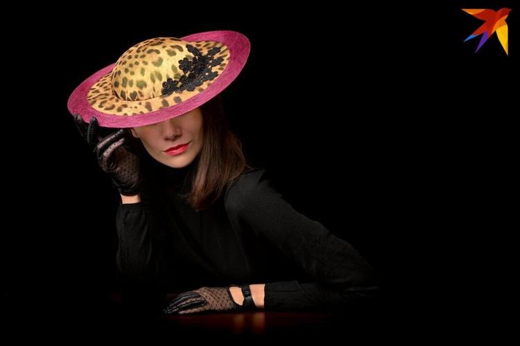 В Австралийской шляпной академии для получения диплома Светлана создала 10 экзаменационных шляп. Фото: личный архив.
