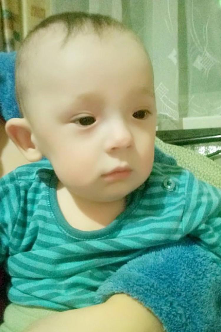Сейчас этот стойкий малыш стремительно теряет слух, счет идет на дни. Фото: Гончарук Ю.