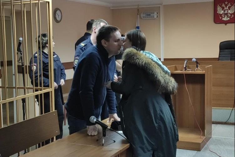 Ефремов держался на заседании сдержано и спокойно
