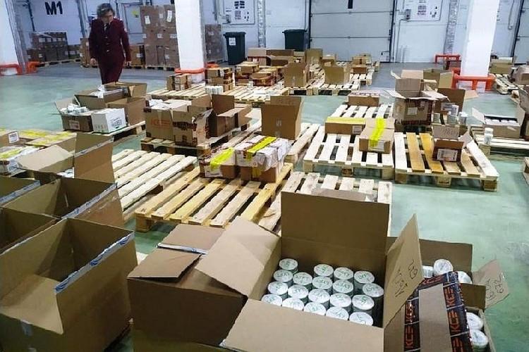 В Ленобласти нашли склад с 9 тоннами никотинового снюса. Фото: Роспотребнадзор ЛО.