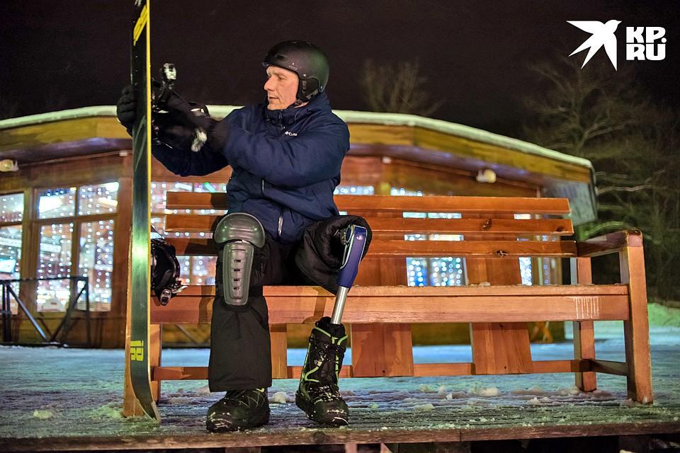 Специальный протез, который предназначен для занятий спортом, стоит от 700 тысяч рублей до миллиона и выше. Чтобы получить его, нужно стать спортсменом. Фото: Ксения ТИМОФЕЕВА