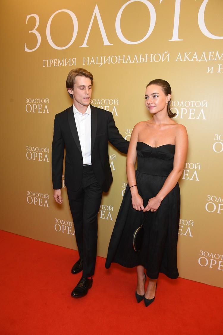 На звёздной дорожке артист появился со своей девушкой актрисой Верой Панфиловой