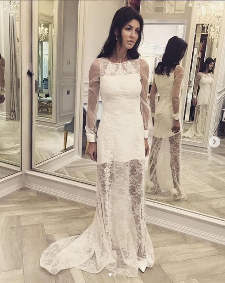 Недавно Алиса сфотографировалась в свадебном салоне: судя по всему, экс-супруга Аршавина готовится к новой свадьбе. Фото: Инстаграм.