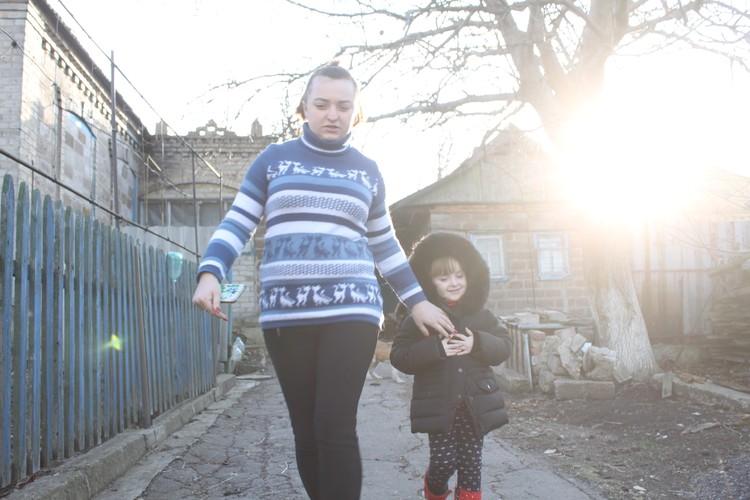 Жители Александровки живут под постоянными обстрелами ВСУ