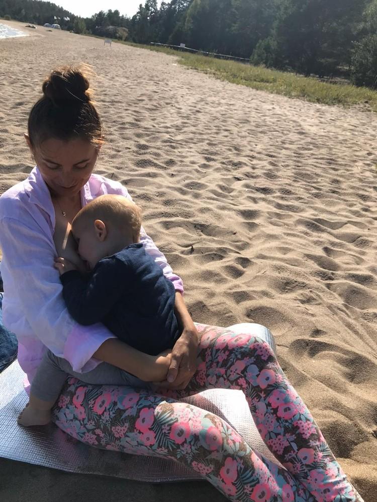 Ольга поясняет, что кормление ребенка - естественный процесс