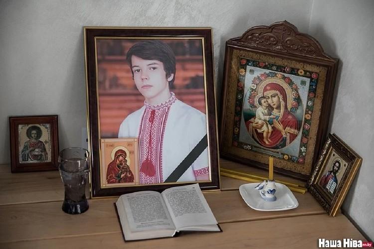 Саша много читал, изучал языки, готовился к поступлению в университет. Фото: nn.by