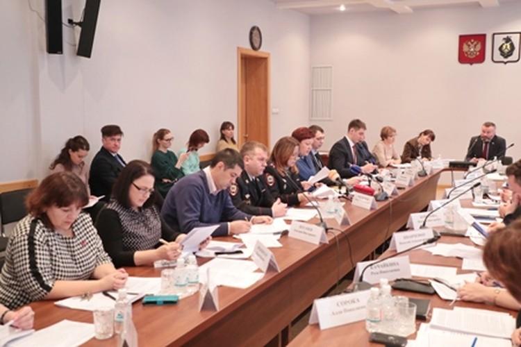 Выводов депутаты пока не сделали. Фото пресс-служба законодательной думы Хабаровского края