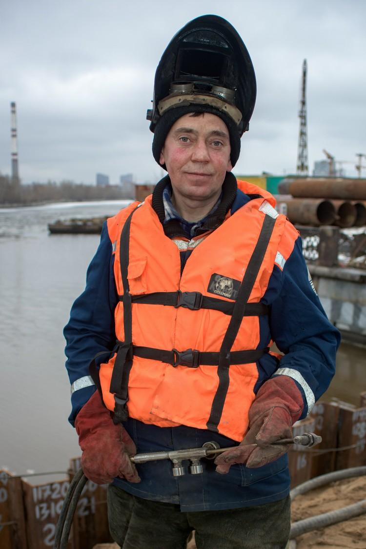 Высококвалифицированные газоэлектросварщики всегда в цене. Фото: инфоцентр «Крымский мост»