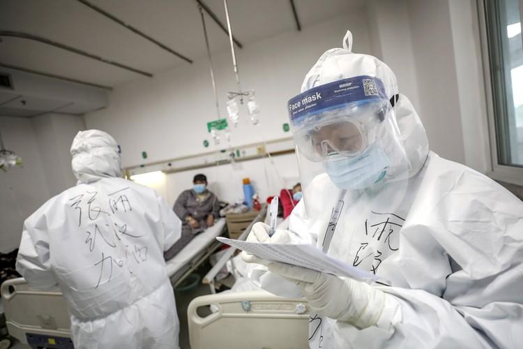 Китайский смертоносный коронавирус назвали COVID-19.