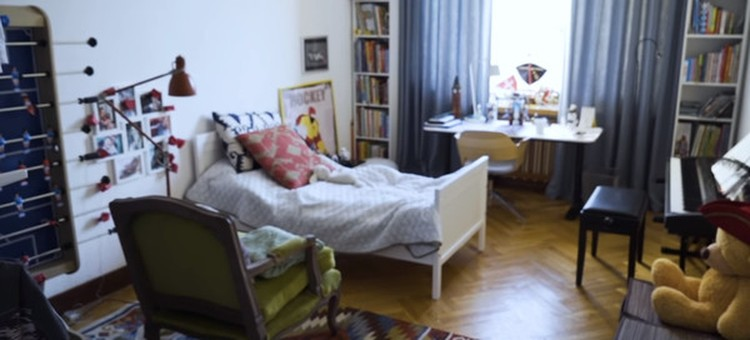 омната Платона в новой квартире Шепелева. Фото: кадр видео «Осторожно, Собчак!»