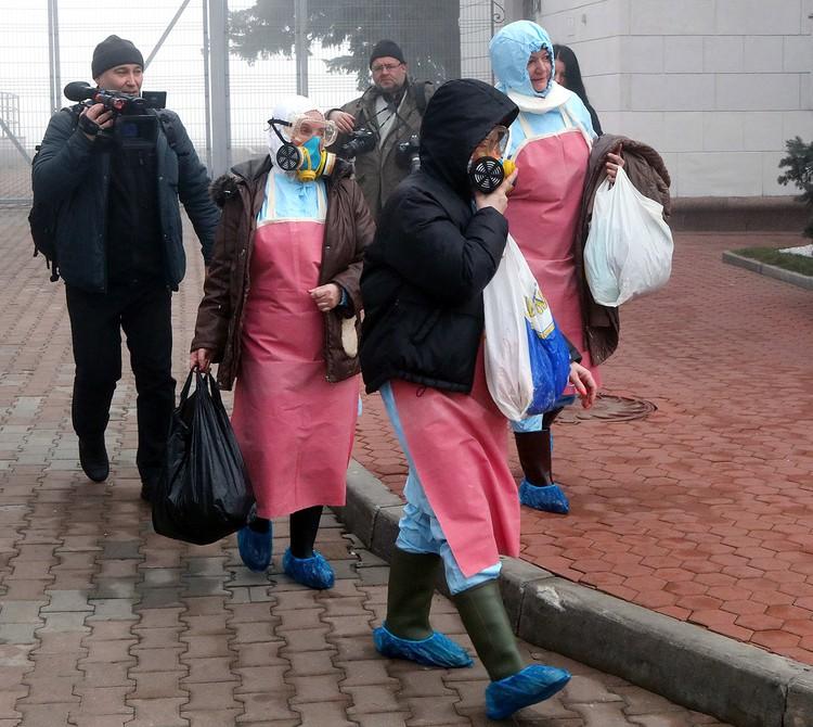 В Харькове медики готовились принять специальный рейс.