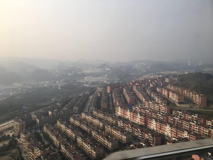 Но китайские города, если удалиться от центра, могут быть и такими. Фото: Личный архив