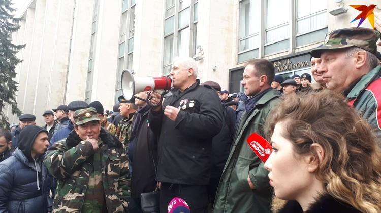 Комбатанты решили протестовать именно 2 марта.
