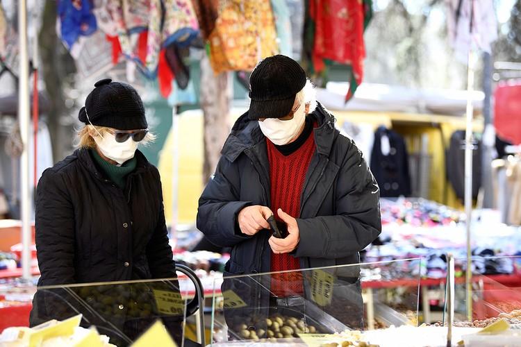 По данным Минздрава на 10 марта заболевших в Италии было 8514 человек