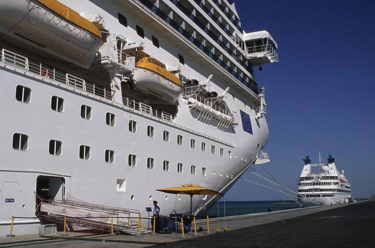 Пассажиры круизного лайнера Costa Magica, в том числе 38 граждан России, наконец-то, смогли покинуть борт судна, на котором ранее выявили коронавирус