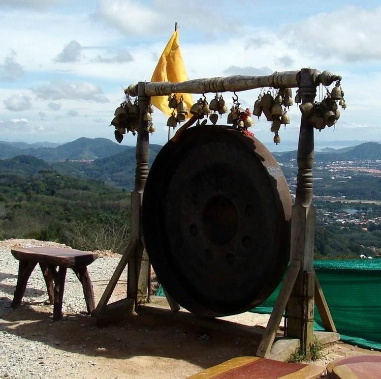 Гонги распространены на востоке примерно так же, как и у нас колокола.