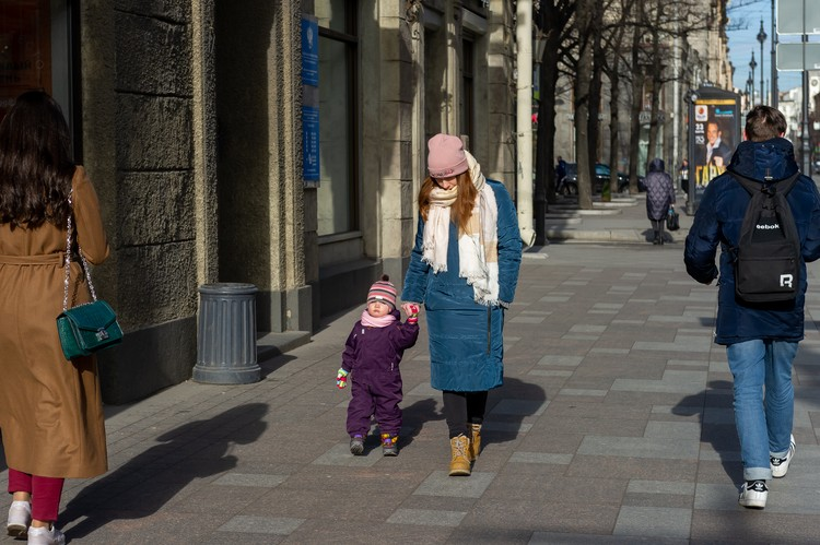Мамочки смогут получить дополнительные пособия на детей до трех лет.