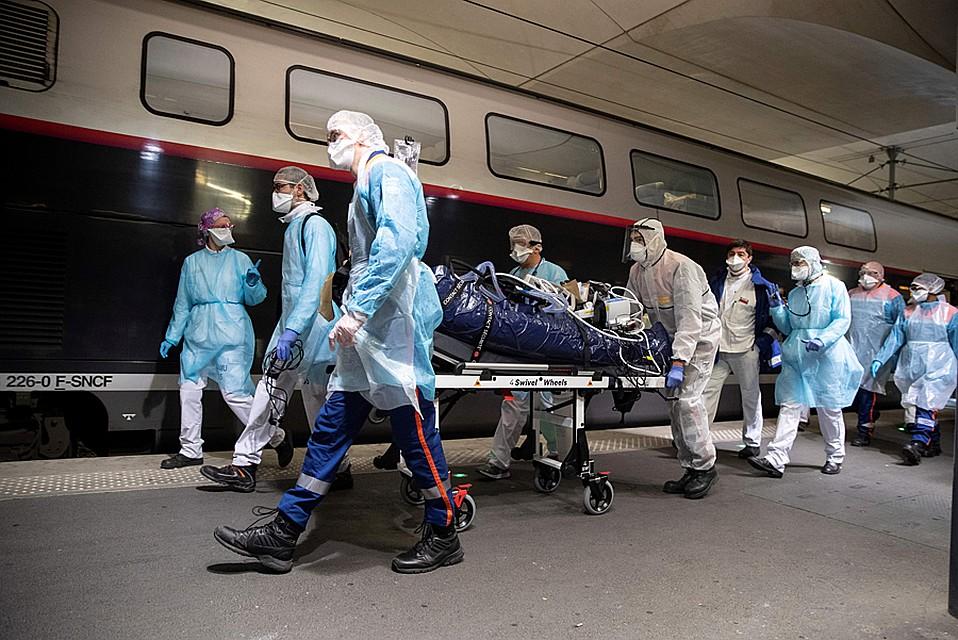 Cейчас пандемия в подавляющем большинстве стран в стадии подъема Фото: REUTERS