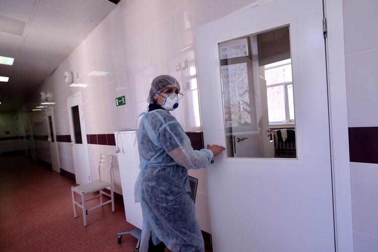Чем же лечат заболевших? Фото: пресс-служба минздрава НСО.