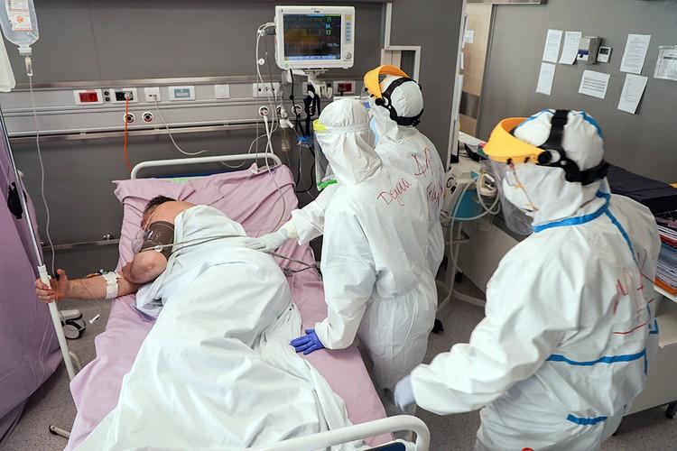 Согласно статистике, полученной из Китая, максимальная смертность и наиболее тяжелые осложнения отмечались у людей с артериальной гипертензией, сердечной недостаточностью, сахарным диабетом