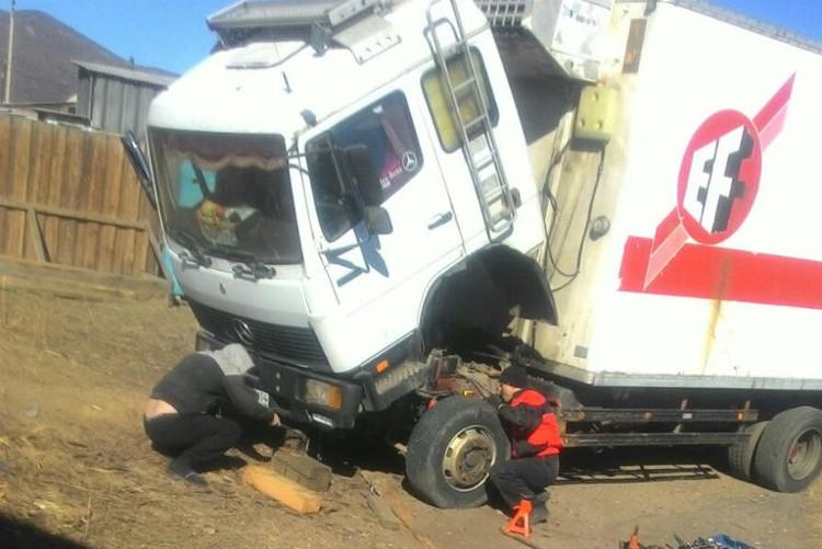Грузовик дальнобойщику починили за один день. Фото: предоставлено Максимом Терентьевым.