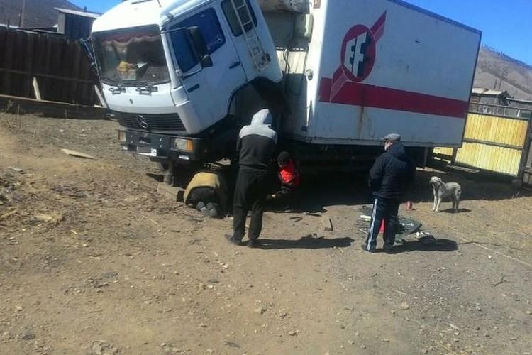 Водитель обещает не забыть спасителей. Фото: предоставлено Максимом Терентьевым.