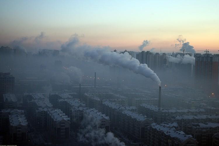 В 2009 году, как результат финансового кризиса, уровни выбросов снизились на 1,3 процента. А в 2010 году увеличились на пять процентов в сравнении с докризисным уровнем