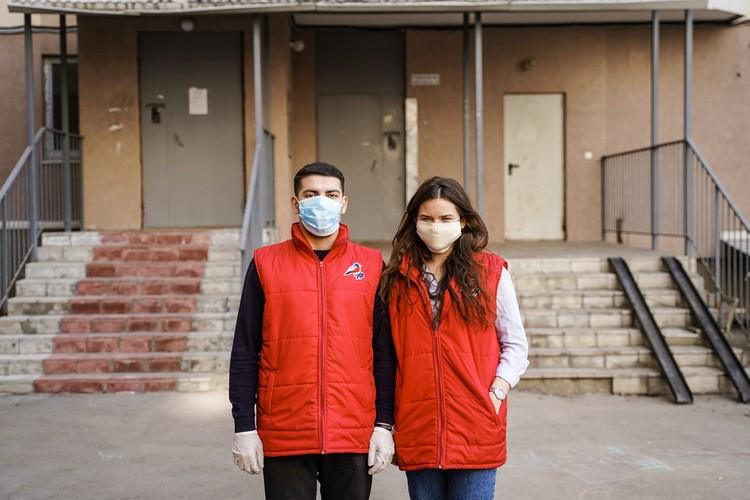 Джавид и Елизавета, волонтёры акции «Мы вместе», участники команды «Молодёжка ОНФ»