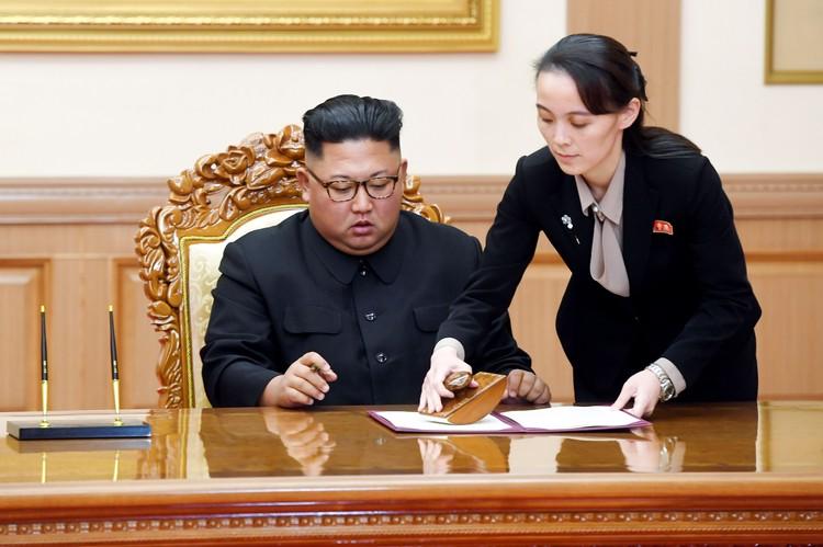 Должность у Ким Ё Чжон достаточно скромная — первый зам. главы отдела пропаганды и агитации ЦК ТПК