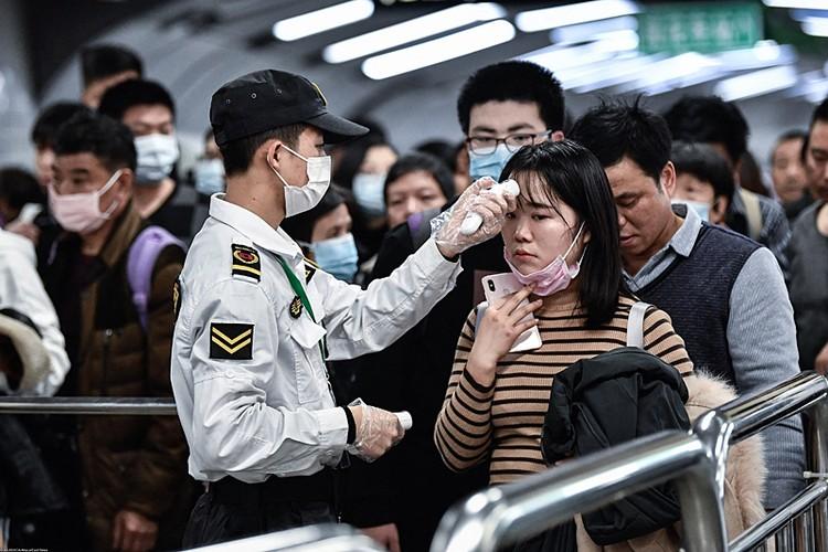 Bплоть до конца декабря, а возможно, начала января уханьцы и «комсомольцы» в целом скрывали от Си Цзиньпина потенциальные масштабы происшествия
