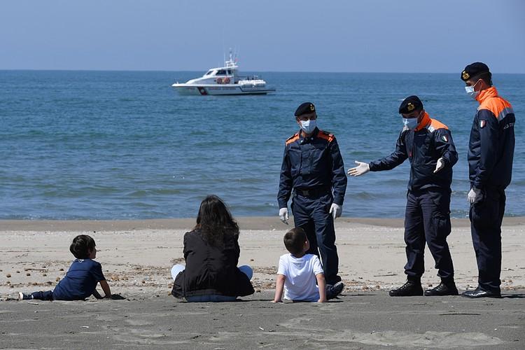 Штрафовать стали пореже, более того, управление полиции даже запустило акцию для детей и их родителей «Поиграй с полицией»