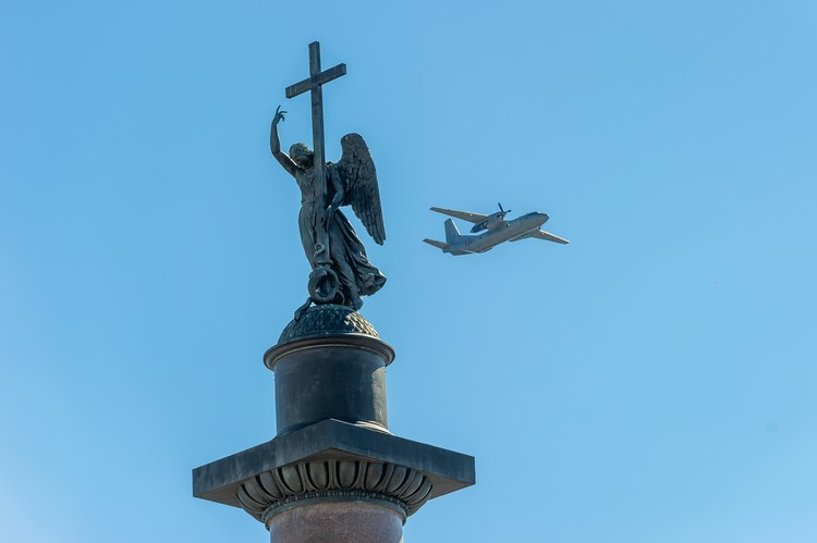 В небо поднимутся самолеты и вертолеты ЗВО
