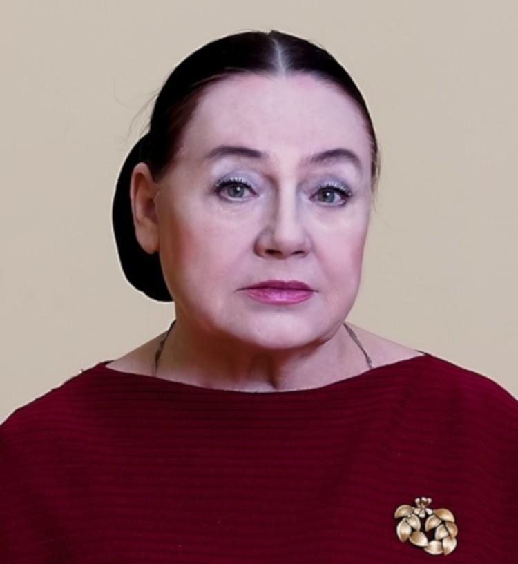 С юбилеем актрису поздравляют друзья и коллеги. Фото: Тверской театр драмы