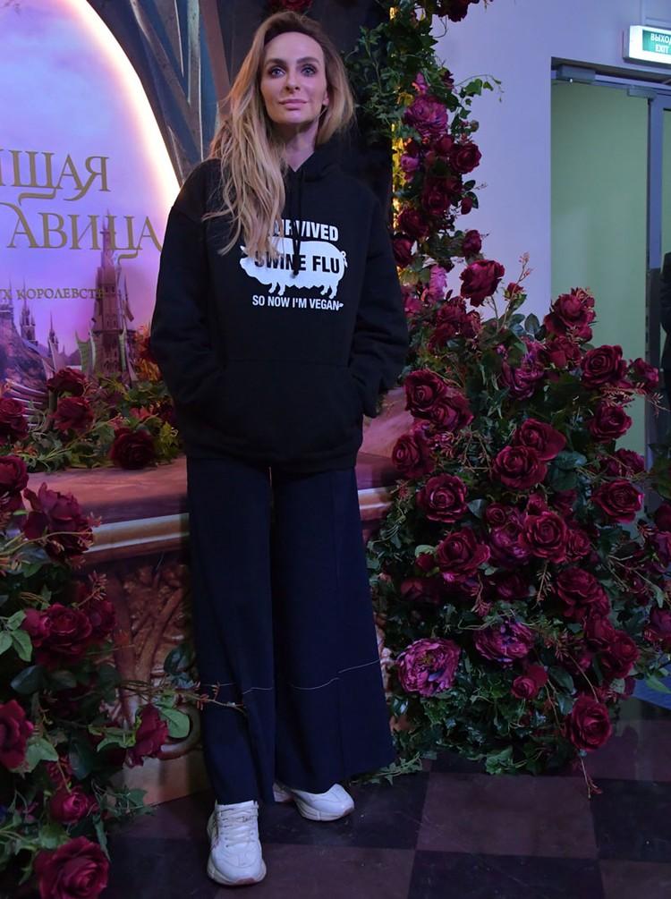Звезда Comedy Woman рассказала Ксении Собчак о пластических операциях, причинах расставания с гражданским мужем и показала новую квартиру за 34 млн