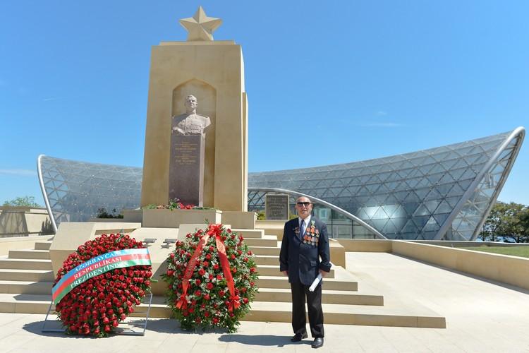 Каждый ветеран будет чувствовать и в этот день, и после поддержку азербайджанского государства. Фото: Artur Widak/NurPhoto/ТАСС