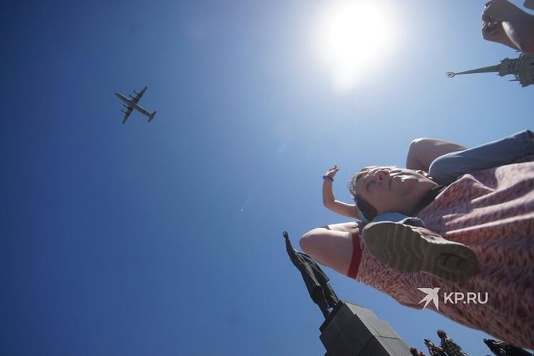 Воздушный парад снимали на тысячи камер смартфонов