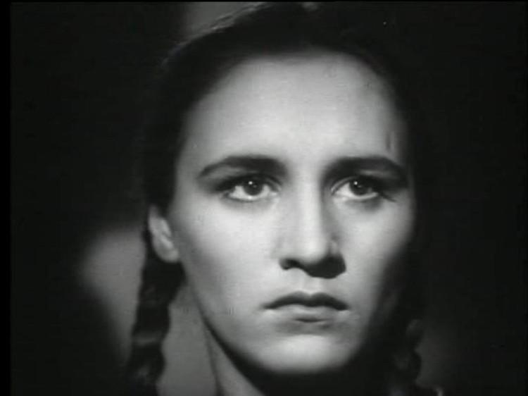 """Нонна Мордюкова в фильме """"Молодая Гвардия"""",1948 г."""