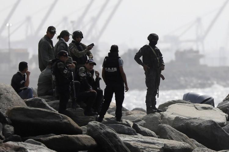 СМИ анализируют причины неудачной высадки наемников.