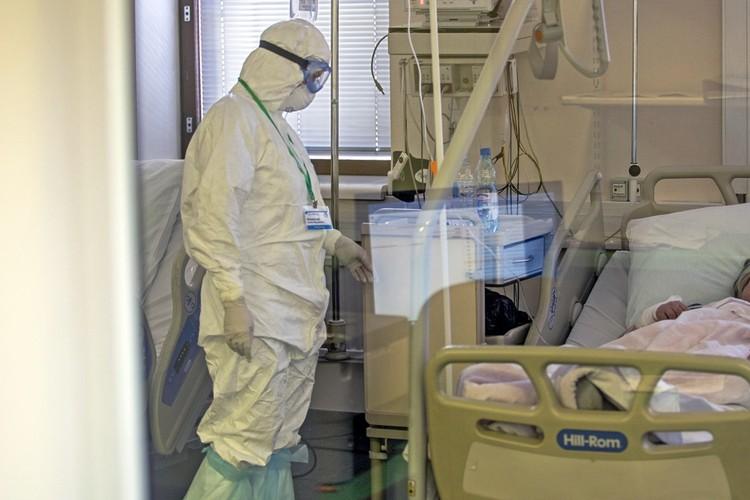 Родители Сергея, а также его семья заразились коронавирусом.