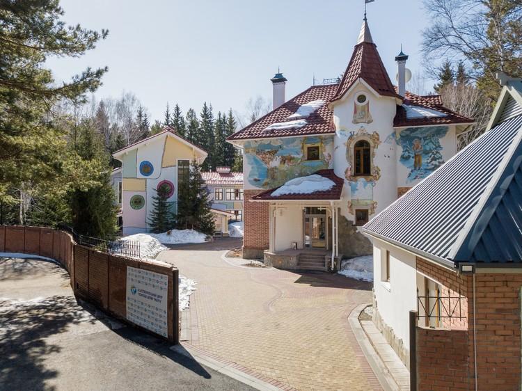 В 2019 году под Омском открылся детский хоспис «Дом Радужного Детства» Фото: предоставлено центром «Радуга»