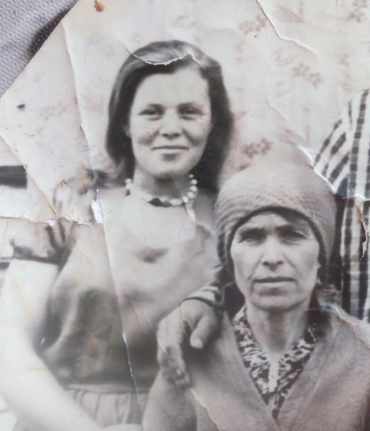 Ирина вместе со своей прабабушкой. Фото: личный архив.