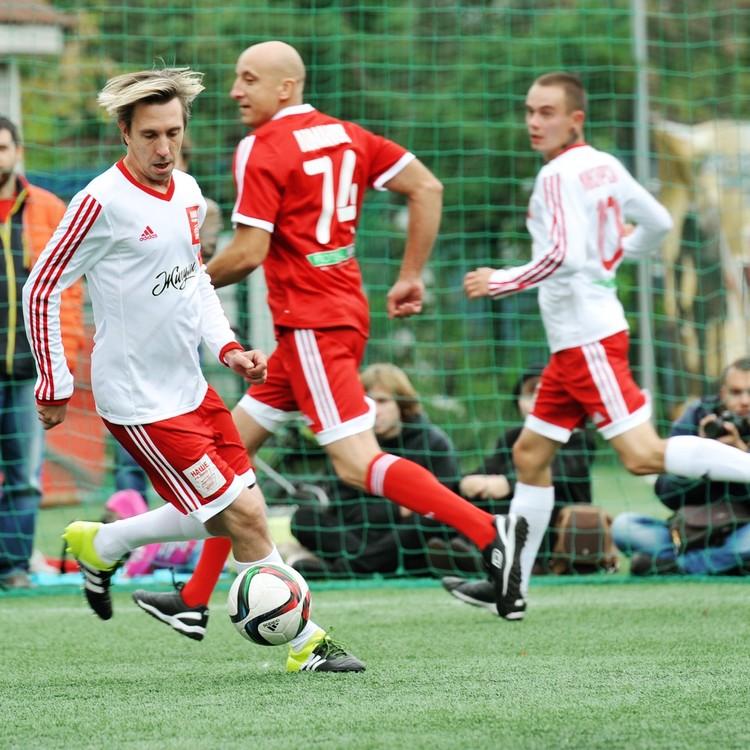 Солист группы Casual Алексей Яшин когда-то закончил школу Олимпийского резерва.