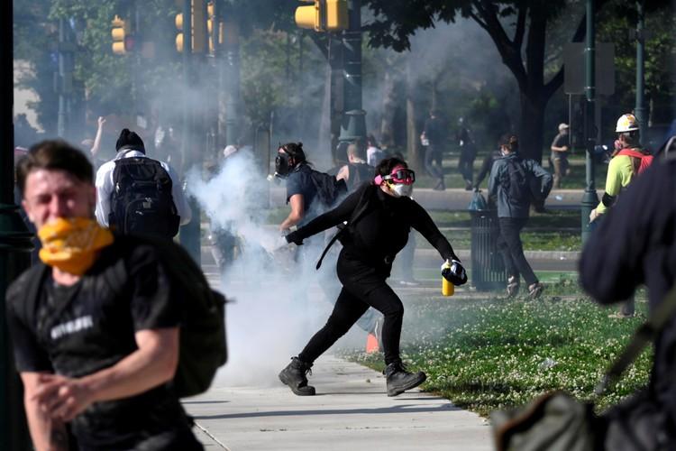 Беспорядки накрыли множество городов США.