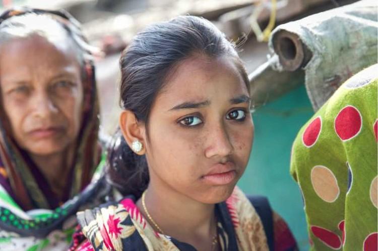 С подачи фонда Гейтса в Индии вакцину против ВПЧ испытывали на девушках-подростках из бедных семей. После нескольких смертей разразился скандал. Фото: picture alliance / Miro May