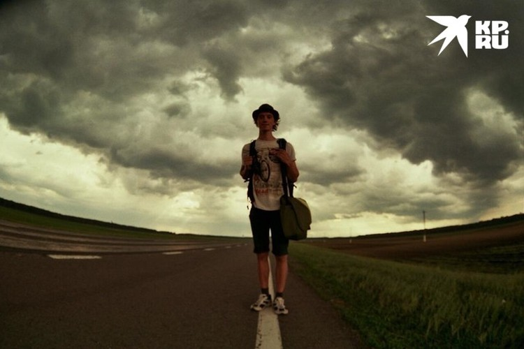 Путешествовать автостопом нашему герою не впервой - по миру на попутках он ездит со второго курса института. Фото: предоставлено героем публикации
