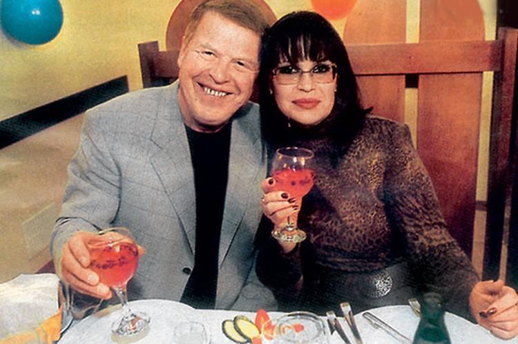 Со второй женой, Еленой Кокшеновой, актер прожил более 20 лет.