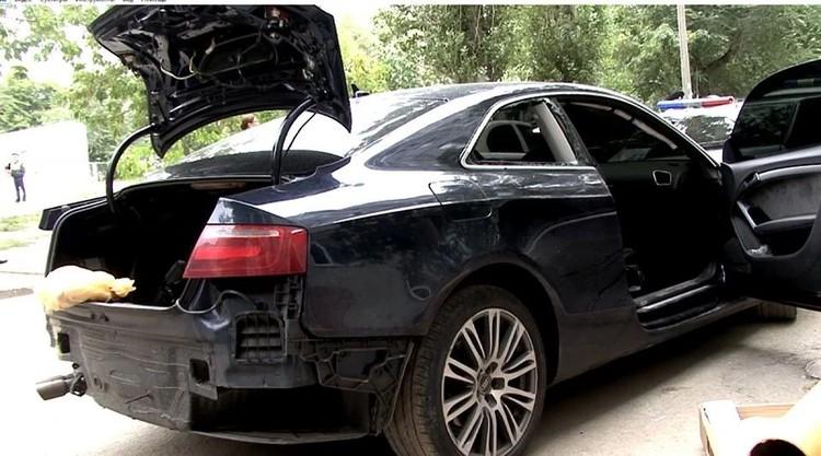 Мажор положил в пакет оторванную руку сбитого пешехода, спрятал в багажнике иномарки, и сбежал.