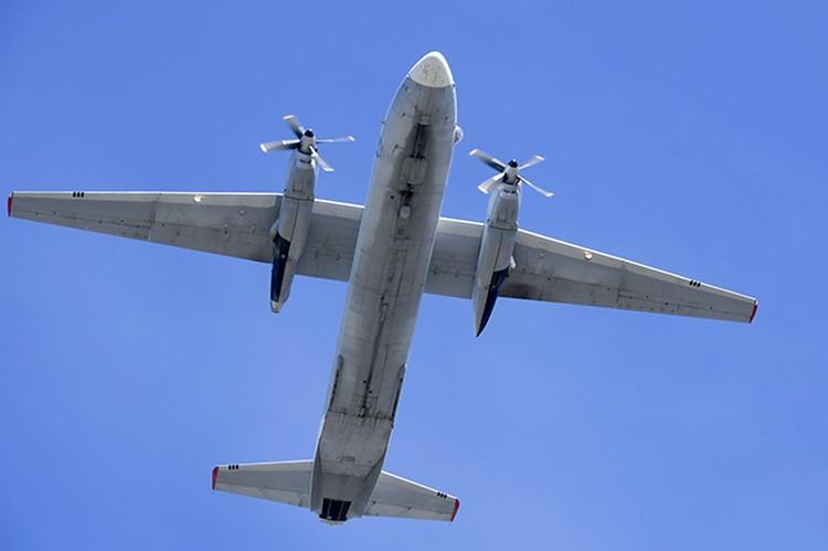 В небе над Омском пролетела авиация.