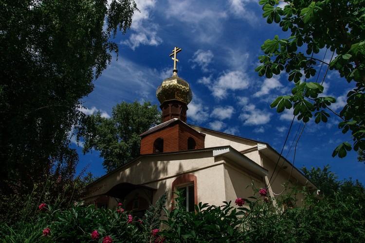 Храм в честь Святых Константина и Елены
