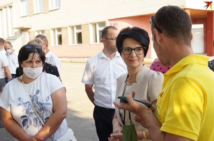 Елена Алексина выслушала сельчан
